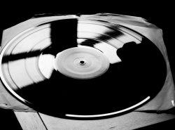 vinile black and white